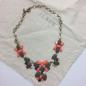 🆕LISTING ❤️NWOT J.Crew Statement necklace